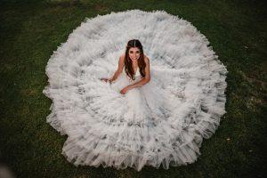 Cata Pali rrss 804 300x200 - Cómo elegir  tu vestido de novia según tú figura